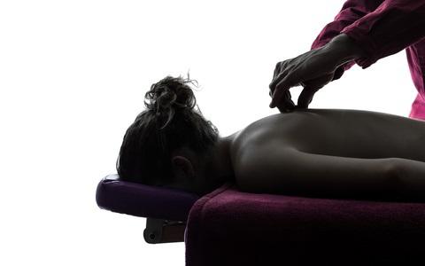 Massage réalisé par un kiné
